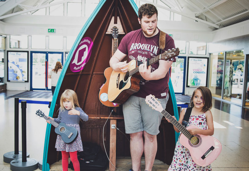 Bransholme invited to strum while it shops for Freedom Festival