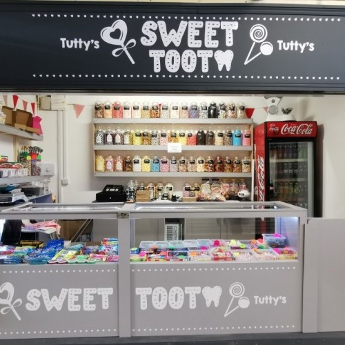 Bransholme Market  Welcome's Tutty's Sweet Tooth